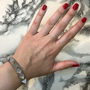 NWT ✨ Brandy Melville silver pyramid stud bracelet